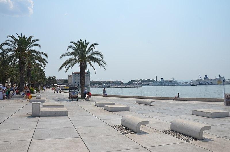 Split, Croatia - Discover Croatia + Bosnia in 7 days all seasons tour from Zagreb to Dubrovnik. Monterrasol Travel small group minivan tour.