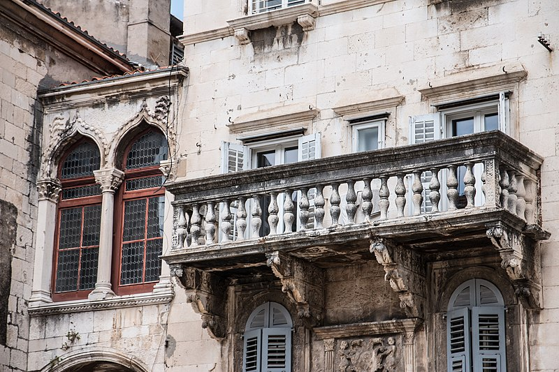 Split, Croatia - All seasons 9 days tour to discover Bosnia and visit Croatian Dalmatia from Korcula. Small group tour by car from Monterrasol Travel.