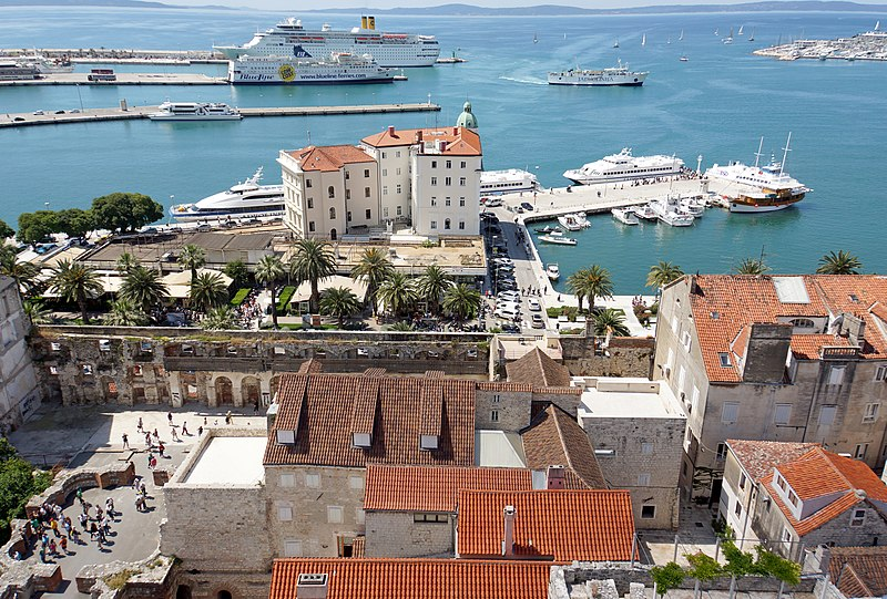 Split, Croatia - Discover Croatia + Bosnia in 6 days all seasons tour from Zagreb to Dubrovnik. Small group minivan tour by Monterrasol Travel.