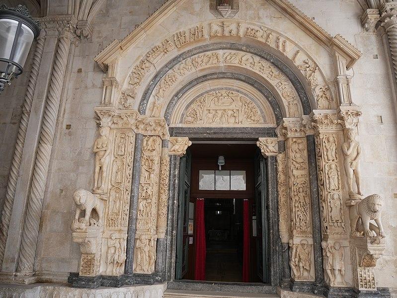 Trogir, Croatia - Explore Croatia UNESCO sites + meet Bosnia medieval land in 16 days tour. Monterrasol Travel minivan small group tour.