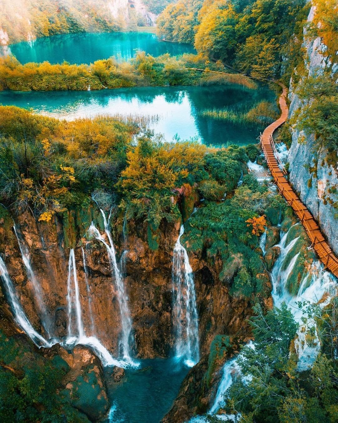 Plitvice, Croatia - Monterrasol small group tours to Plitvice, Croatia. Travel agency offers small group car tours to see Plitvice in Croatia. Order small group tour to Plitvice with departure date on request.