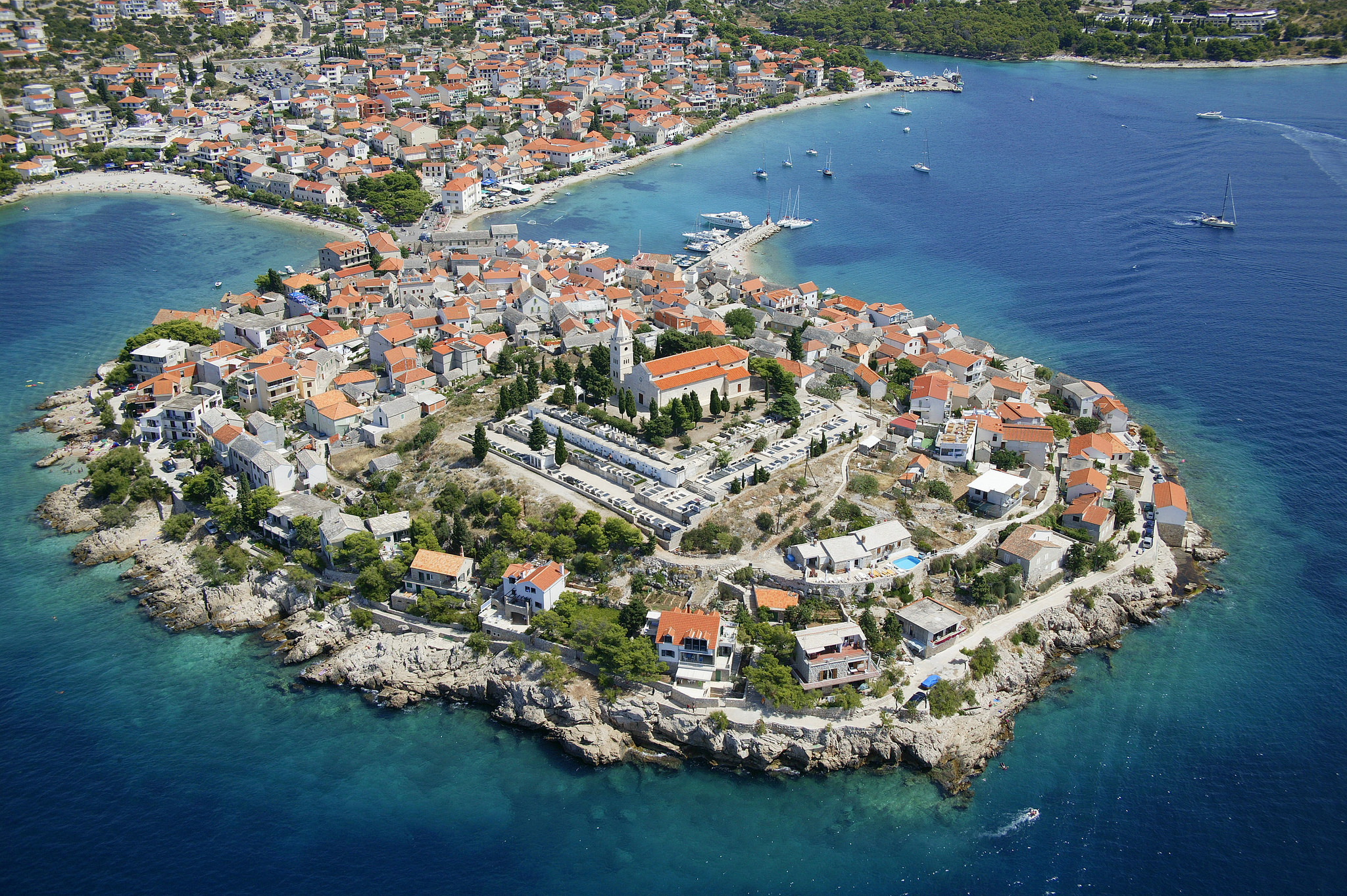 Primošten (Primosten), Croatia - Monterrasol small group tours to Primošten (Primosten), Croatia. Travel agency offers small group car tours to see Primošten (Primosten) in Croatia. Order small group tour to Primošten (Primosten) with departure date on request.