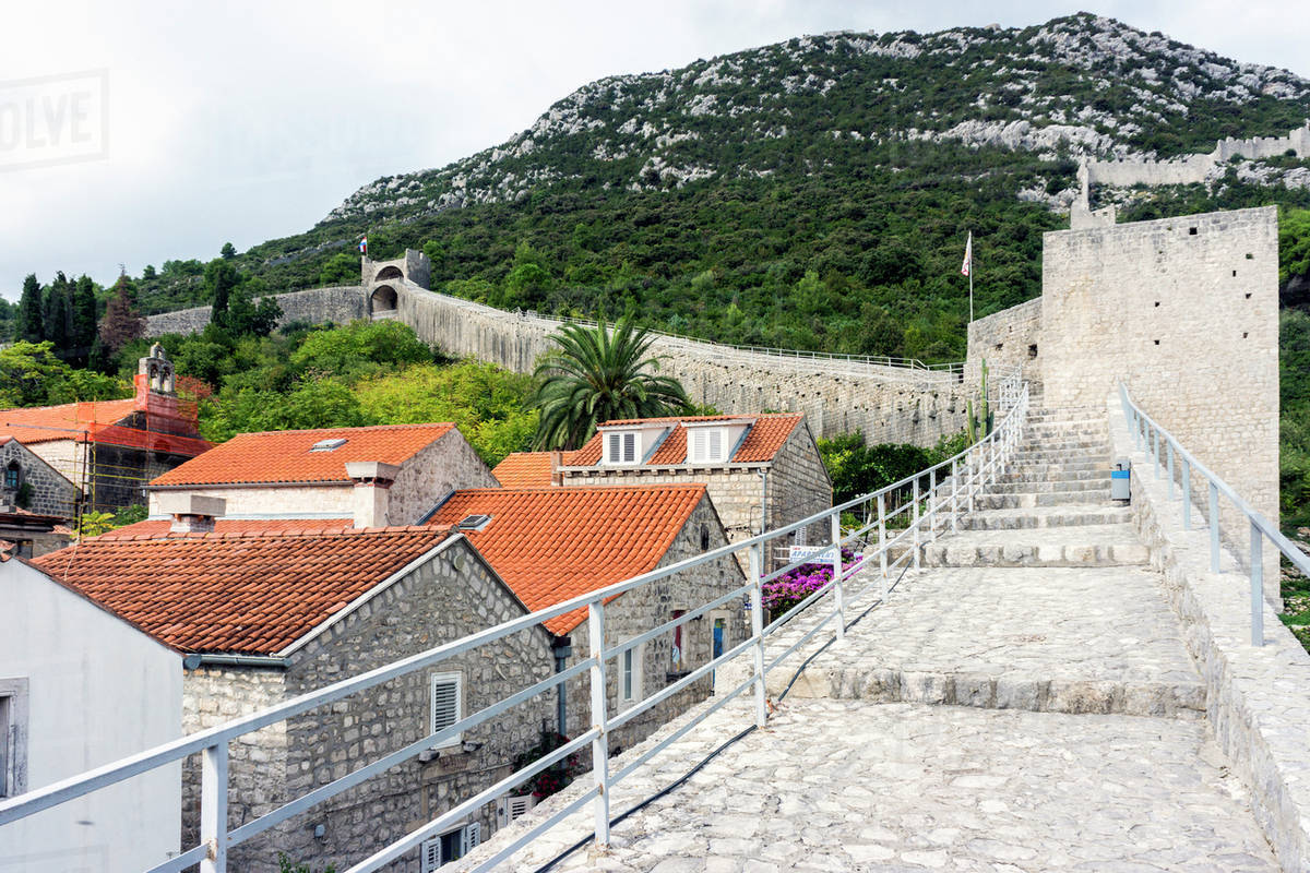 Ston, Croatia - Monterrasol small group tours to Ston, Croatia. Travel agency offers small group car tours to see Ston in Croatia. Order small group tour to Ston with departure date on request.