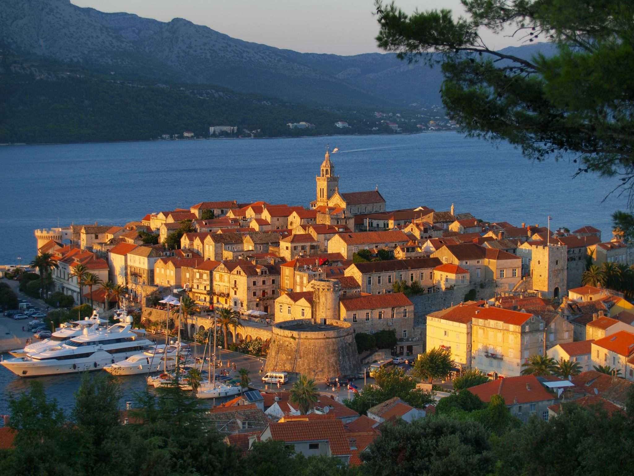Korčula (Korcula), Croatia - Monterrasol small group tours to Korčula (Korcula), Croatia. Travel agency offers small group car tours to see Korčula (Korcula) in Croatia. Order small group tour to Korčula (Korcula) with departure date on request.