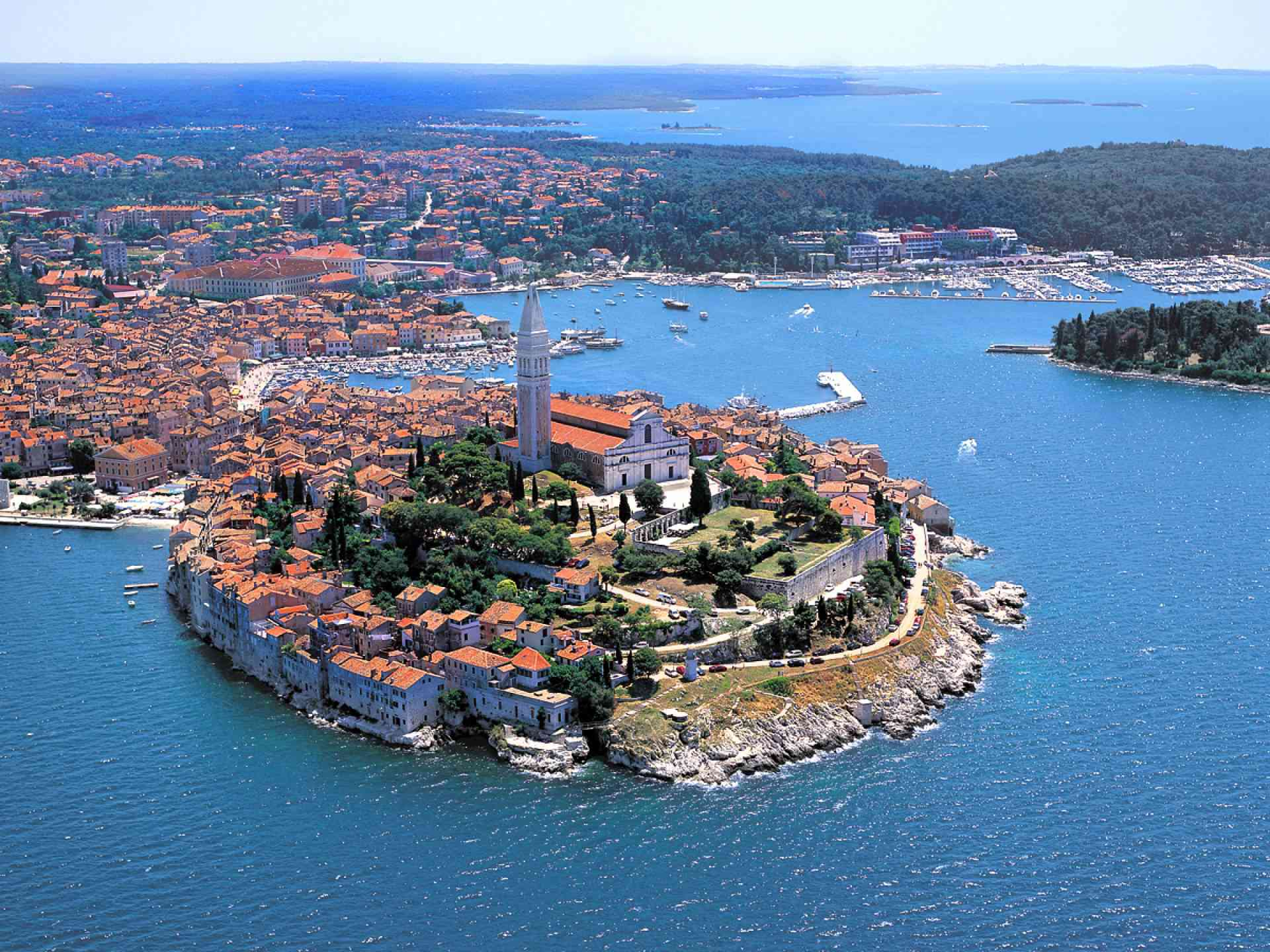 Rovinj, Croatia - Monterrasol small group tours to Rovinj, Croatia. Travel agency offers small group car tours to see Rovinj in Croatia. Order small group tour to Rovinj with departure date on request.