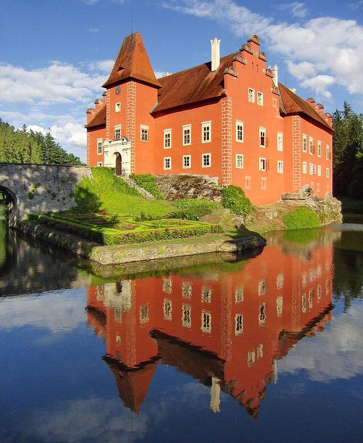 Červená Lhota (Cervena Lhota), Czechia - Czech castles 16 days tour from Vienna. Small group minivan tour by Monterrasol Travel.