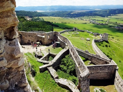 Spiš (Spis), Slovakia - Monterrasol small group tours to Slovakia. Travel agency offers small group car tours to see Slovakia in Slovakia. Order small group tour to Slovakia with departure date on request.