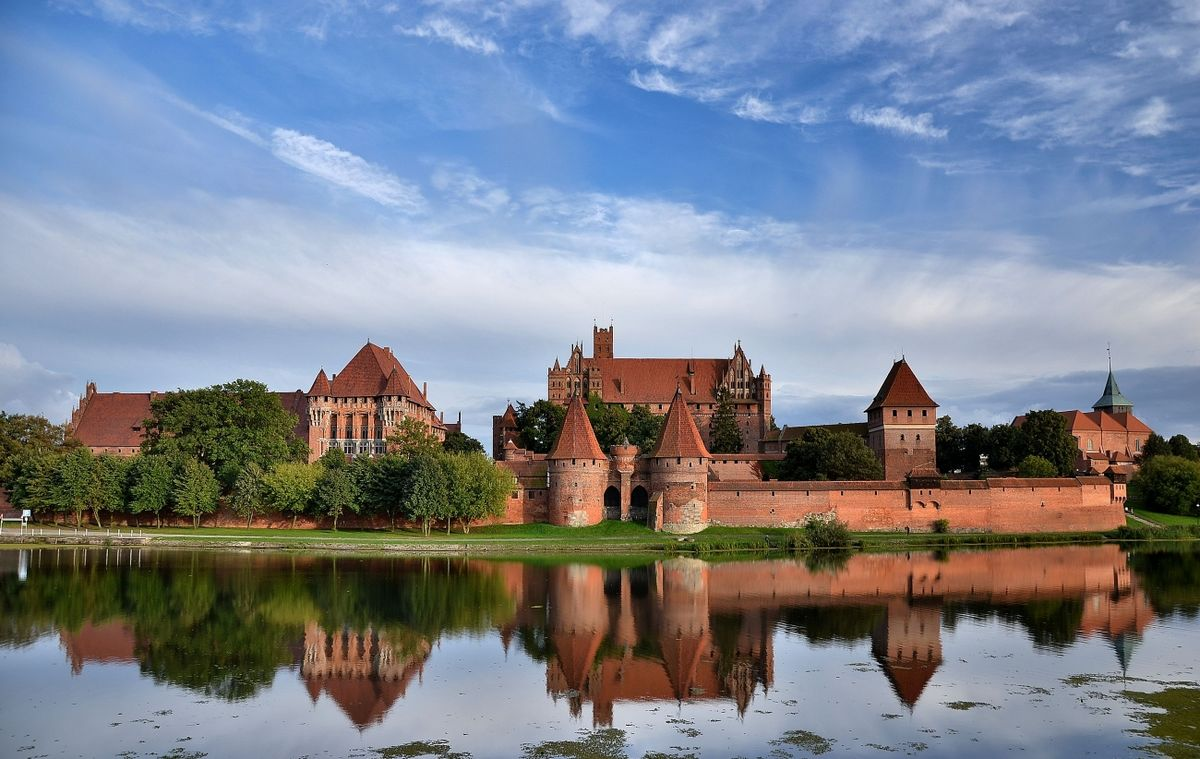 Malbork, Poland - Monterrasol small group tours to Poland. Travel agency offers small group car tours to see Poland in Poland. Order small group tour to Poland with departure date on request.