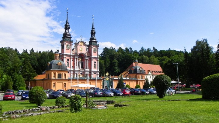 Święta Lipka (Swieta Lipka), Poland - All seasons Baltic tour 21 days from Warsaw. UNESCO medieval towns and Teutonic Knights castles. Small group tour from Monterrasol Travel by car.