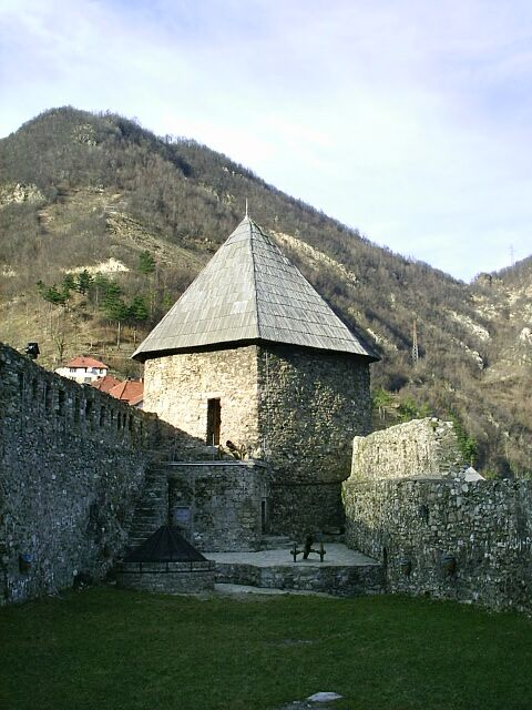 Vranduk, Bosnia and Herzegovina - Monterrasol small group tours to Vranduk, Bosnia and Herzegovina. Travel agency offers small group car tours to see Vranduk in Bosnia and Herzegovina. Order small group tour to Vranduk with departure date on request.