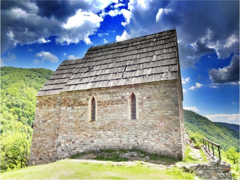 Bobovac, Bosnia and Herzegovina - Monterrasol small group tours to Bobovac, Bosnia and Herzegovina. Travel agency offers small group car tours to see Bobovac in Bosnia and Herzegovina. Order small group tour to Bobovac with departure date on request.