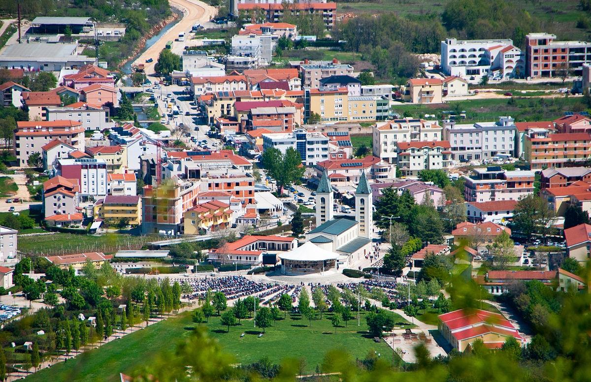 Međugorje (Medjugorje), Bosnia and Herzegovina - Explore Bosnia+Montenegro by all seasons 15 days slow tour from Sarajevo. Monterrasol Travel small group tour with minivan.