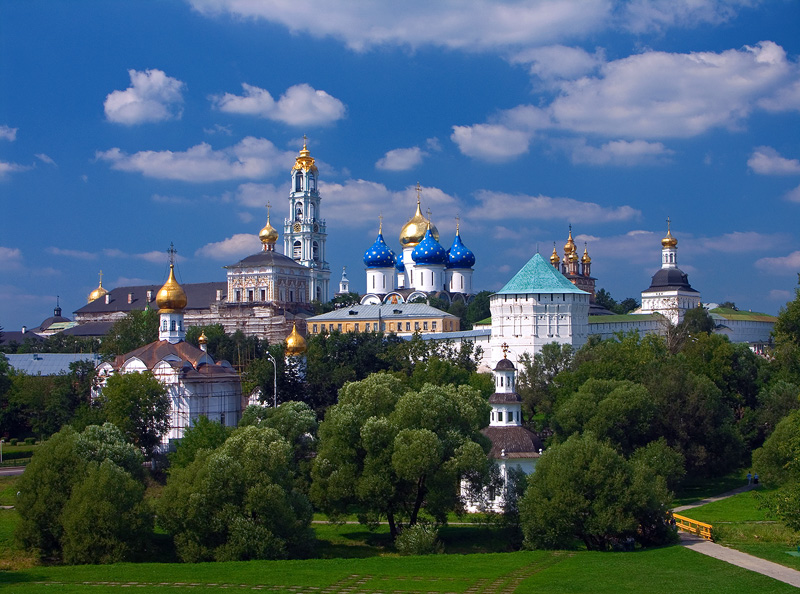 Сергиев Посад (Sergiyev Posad), Russia - Golden Ring Russia micro tour 2 days from Moscow. Monterrasol Travel small group car tour.