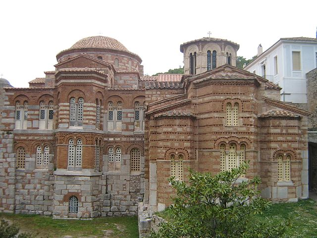 Hosios Loukas, Greece - Central Greece off-season 24 days tour from Athens. Small group tour in minivan by Monterrasol Travel.