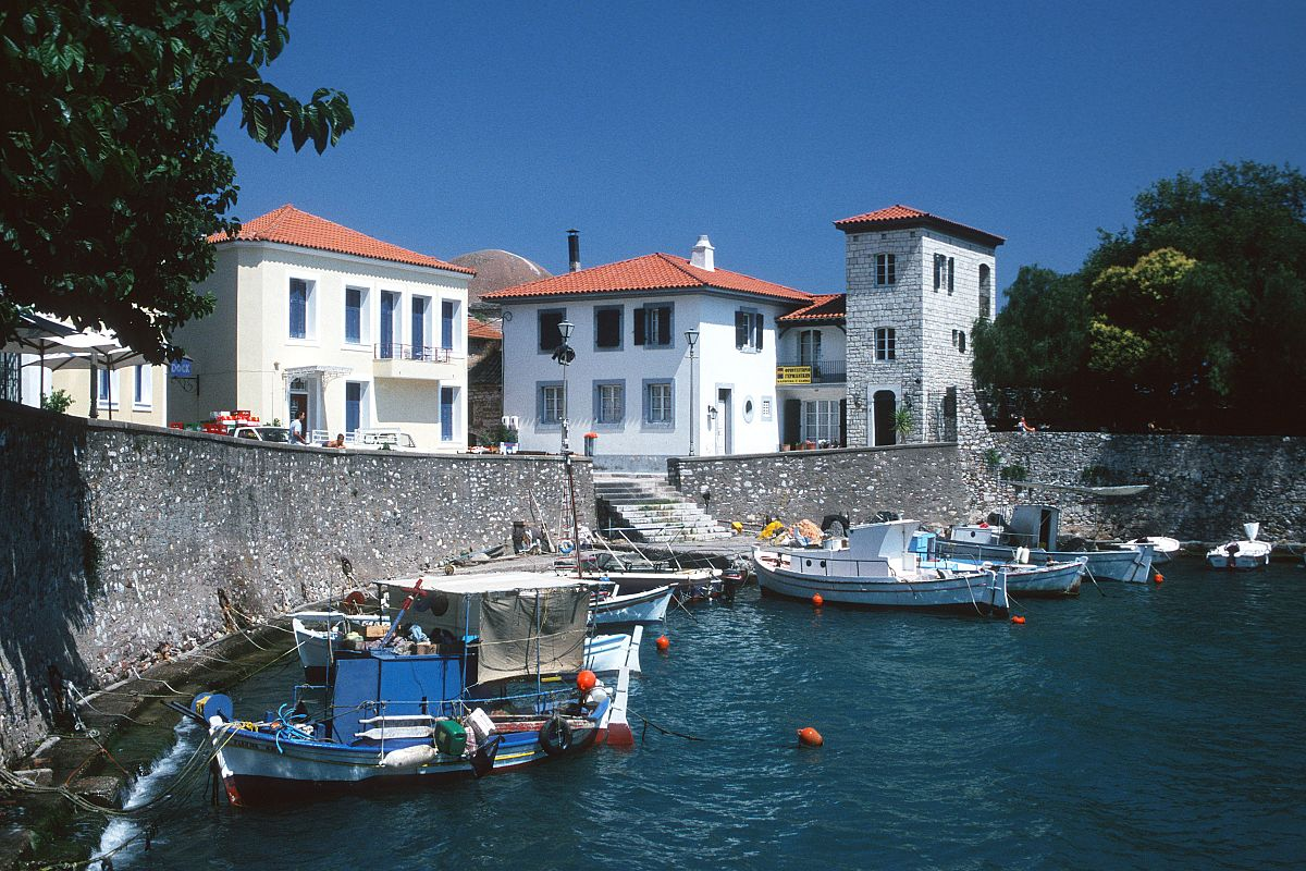 Nafpaktos, Greece - Small 9 days discovery tour of Central Greece from Athens. Small group tour with minivan by Monterrasol Travel.
