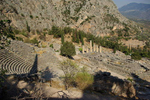 Delphi, Greece - Central Greece off-season 24 days tour from Athens. Small group tour in minivan by Monterrasol Travel.