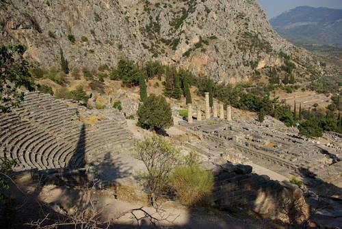 Delphi, Greece - Discover Greece in 7 days tour from Igoumenitsa. Ancient towns, beaches, castles and monasteries. Monterrasol Travel tour with small group minivan.