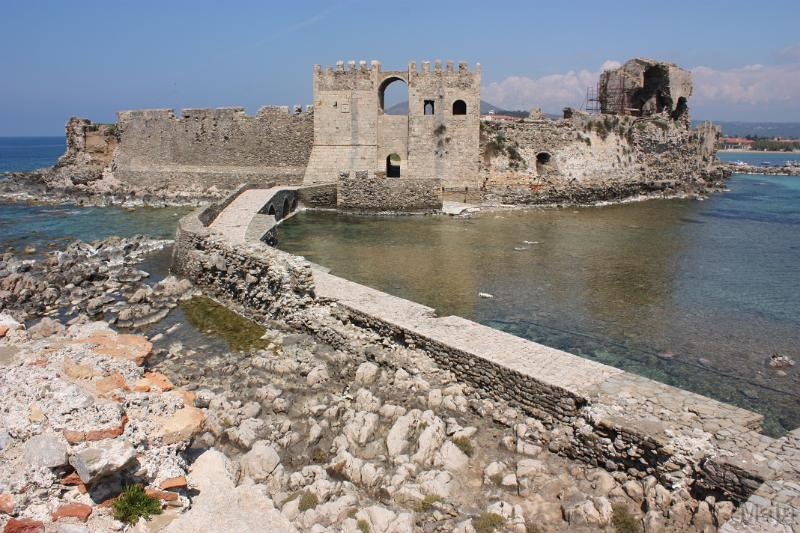 Methoni, Greece - Monterrasol small group tours to Methoni, Greece. Travel agency offers small group car tours to see Methoni in Greece. Order small group tour to Methoni with departure date on request.