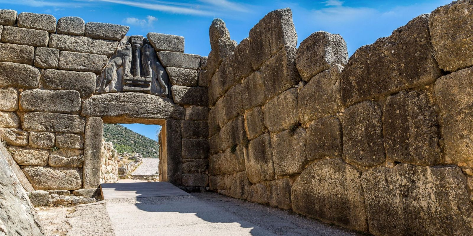 Mycenae, Greece - Monterrasol small group tours to Mycenae, Greece. Travel agency offers small group car tours to see Mycenae in Greece. Order small group tour to Mycenae with departure date on request.