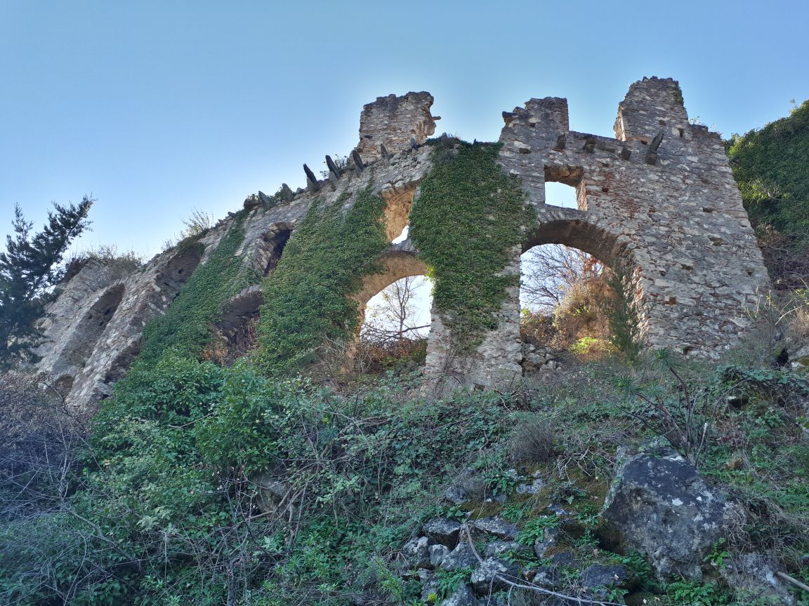 Mystras, Greece - Discover Peloponnese from Athens: Corinth, Sparta, Olimpia, ancient towns, beaches, castles and monasteries.