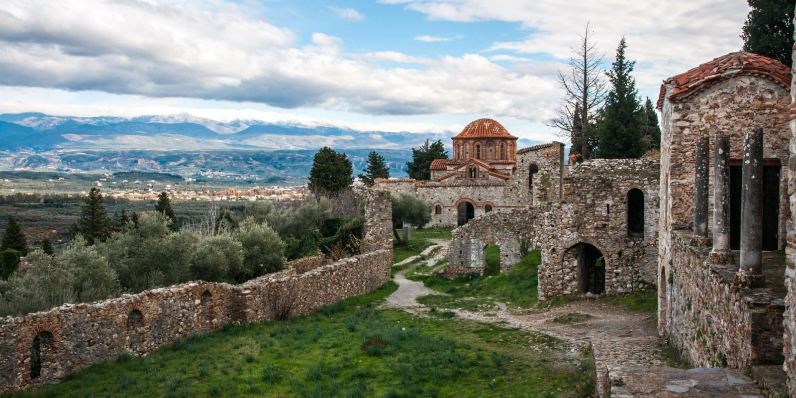 Mystras, Greece - Discover Peloponnese with all seasons 9 days tour from Athens. Monterrasol Travel small group tour with minivan.